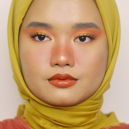 Pumpkin 🧡..Details:@urbandecaycosmetics Born To Run@colourpopcosmetics Uh-Huh Honey@blpbeauty Face Base - W30@lookecosmetics Holy Smooth & Blur Loose Powder - Terra@esqacosmetics Brow Pomade Pencil - Grey@makeoverid Brow Mascara - Long Black@minuet.official PaletteBLP Lip Bullet - Pumpkin@lavielash - Bluebell.#makeupbyutiazka #clozetteid #beautybloggerindonesia #indobeautyblogger #jakartabeautyblogger #socobeautynetwork #startwithsbn #beautycommunity #makeupcommunity #crueltyfreebeauty #crueltyfreemakeup