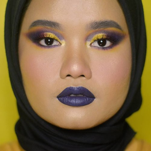 Ok mulai seneng eksperimen di warna bibir juga 😆❤. . Details: @morphebrushes 35B @colourpopcosmetics Uh-Huh Honey @nyxcosmetics_indonesia Liquid Suede - Foul Mouth @dearmebeauty Perfect Eyebrow Contour - Granite Grey @makeoverid brow mascara - 01 long black @lavielash - bluebell @esqacosmetics bronzer - havana @blpbeauty face base - W30 BLP face concealer - Honey Make Over silky smooth translucent powder - 07. . #makeupbyutiazka #clozetteid #orenjienjisocialclub #colorfulmakeup #crueltyfreemakeup #crueltyfreebeauty  #socobeautynetwork #startwithsbn #indobeautyblogger #indonesianbeautyblogger #indobeautygram #makeupoftheday #eyemakeupideas #makeupcommunity