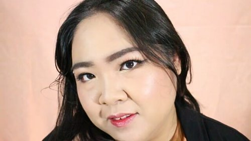 """<div class=""""photoCaption"""">Here is the tute for my Truffle Look that I posted earlier. What do you think? .<br /> Makeup used:<br /> @hayancos Bling Bling Hayan Cream<br /> @benefitindonesia Porefessional Primer<br /> @mizzucosmetics Hide Em Concealer<br /> @anastasiabeverlyhills Brow Gel<br /> @toofaced Bon Bons Chocolate Palette<br /> @maybelline Hyper Sharp Liner<br /> Maybelline Snapscara<br /> @nyxcosmetics_indonesia Contour Stick<br /> @maccosmetics Studio Fix Powder Foundation <br /> @ultimaii_id Delicate Shine Blush<br /> @mizzucosmetics Aqua Lip Tint<br /> .<br /> Met Malming semuanya! 😘<br /> .<br /> .<br />  <a class=""""pink-url"""" target=""""_blank"""" href=""""http://m.clozette.co.id/search/query?term=blossomshine&siteseach=Submit"""">#blossomshine</a>  <a class=""""pink-url"""" target=""""_blank"""" href=""""http://m.clozette.co.id/search/query?term=motd&siteseach=Submit"""">#motd</a>  <a class=""""pink-url"""" target=""""_blank"""" href=""""http://m.clozette.co.id/search/query?term=selfie&siteseach=Submit"""">#selfie</a>  <a class=""""pink-url"""" target=""""_blank"""" href=""""http://m.clozette.co.id/search/query?term=toofaced&siteseach=Submit"""">#toofaced</a>  <a class=""""pink-url"""" target=""""_blank"""" href=""""http://m.clozette.co.id/search/query?term=hayancos&siteseach=Submit"""">#hayancos</a>  <a class=""""pink-url"""" target=""""_blank"""" href=""""http://m.clozette.co.id/search/query?term=makeuptalk&siteseach=Submit"""">#makeuptalk</a>  <a class=""""pink-url"""" target=""""_blank"""" href=""""http://m.clozette.co.id/search/query?term=dailymakeup&siteseach=Submit"""">#dailymakeup</a>  <a class=""""pink-url"""" target=""""_blank"""" href=""""http://m.clozette.co.id/search/query?term=naturalmakeup&siteseach=Submit"""">#naturalmakeup</a>  <a class=""""pink-url"""" target=""""_blank"""" href=""""http://m.clozette.co.id/search/query?term=elegantmakeup&siteseach=Submit"""">#elegantmakeup</a>  <a class=""""pink-url"""" target=""""_blank"""" href=""""http://m.clozette.co.id/search/query?term=beautyguruindonesia&siteseach=Submit"""">#beautyguruindonesia</a>  <a class=""""pink-url"""" target=""""_blank"""" href=""""http://m.clozette.co.id/"""