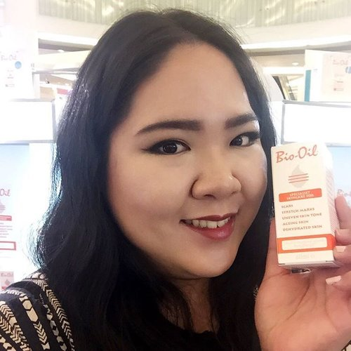 Hi everyone, as promised, I have wrote down all the #beautytips that I learned from #beautytalkshow by @bio_oil x @watsonsindonesia, and have posted it on my #beautyblog. I find it especially useful for those who have skin problems like stretch marks, acne, acne scars and other scar marks; also, if you currently looking for post-pregnancy self-care tips, you may want to check my post. Enjoy reading! 😘 #blossomshine #graciamua 🌸 . #makeupaddict #makeup #motd #makeupoftheday #makeupjunkie #makeupmafia #sephora #burtsbees #makeuptalk #beauty #beautyjunkie #beautyblog #beautyblogger #indonesianbeautyblogger #clozetteid #selfie #instadaily #instabeauty #instamakeup
