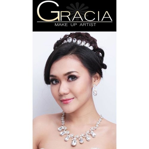 Bridal Makeup by #graciamakeupartist 🌸 #bsbeauty16 #clozetteid #makeuppengantinjakarta #makeuppengantin #bridaltangerang