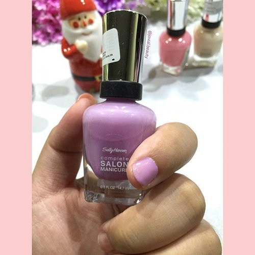 Here is how the #SallyHansen #SalonManicure - #Purple #Heart looks like ☺️ my fave color of all time 💕 #bellereneebeauty #day4 Year End Favorite - #nailpolish 💅 #jovialbeauty16 #clozetteid #nail #nailcolor #beauty