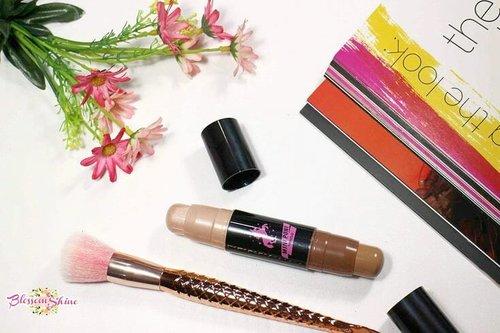 Met malam smuanya,  akhirnya the long waited review of this @miniso.official Genius Duo Sculpting Stick is now up on my blog! 😍 Yuk buat yang penasaran sama reviewnya, dan seperti apa hasilnya,  langsung aja di click link di bio aku 👆 💖.#blossomshine #makeup #makeuphaul #makeuptalk #makeupoftheday #beautytalk #instamakeup #instabeauty #bunnyneedsmakeup #miniso #minisocanada #minisoindonesia #Beautiesquad #tampilcantik #clozetteid #indobeautygram #beautybloggerindonesia #motd #pictureoftheday #tagsforlikes #followme #ragamkecantikan #contourstick