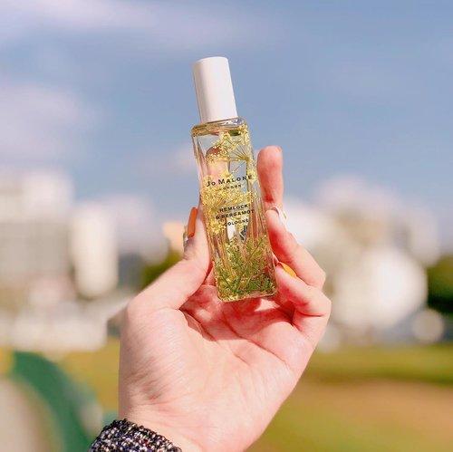 My first, @jomalonelondon perfume as my B'day gift from @vernandada 🥰. I've chosen Hemlock & Bergamot Cologne since I really like powder kind of smell💗 and the packaging is really-really pretty😻. Thank you!, x . . #clozetteid #parfum #parfume #jomalone #jomalonelondon #hemlockbergamot