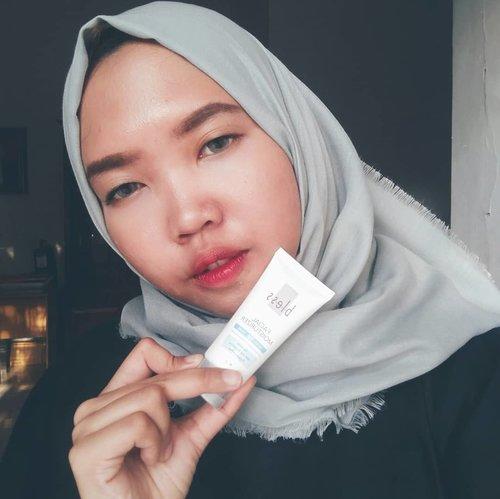 @bless.cosmetics facial moisturizer ini adalah pelembab yang sekarang aku pake sehari-hari. teksturnya enak banget dan ngga bikin breakout sama sekali. Harganya juga lumayan murah loh :)..review soon ya gaes :)..#talkingwithbeki #skincarejunkie #skincare #bless #blesscosmetics #beautybloggerindonesia #beautybloggerid #bloggerperempuan #bloggerlife #review #bloggerindonesia #indonesiafemaleblogger #indonesiabeautyblogger  #blogger  #clozetteid #clozettedaily