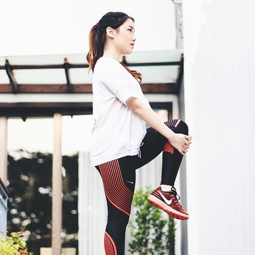 New blog post is up on www.pamelawirjadinata.com (link in bio) about my new commitment to have a better lifestyle. Wearing my most comfortable Nike legendary tight that really helps me to move without limits. #BetterForIt #forabetterme #clozetteid