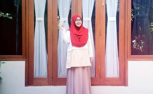 NEW BLOG POST on www.indahrp.com ***** Outfit Ideas: Merah Putih (link on profile) ***** Scarf: OSI by @heaven_lights Top: Pudica by @inforiamiranda for Blibli.com Skirt: unbranded ***** #IndahRPblog #indahrpdotcom #ihblogger #indonesianhijabblogger #hijabblogger  #tapfordetails #fashionmodesty #hijabfashion #hijabootdindo #ootdindo #lookbookindonesia #lookbook #chestcoveringhijab #hijabinspiration #outfitideas #riamirandastyle #ClozetteID