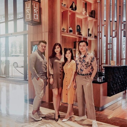 THROWBACK BLURRY SHOT ✨ // I miss this Japanese cuisine food and bar restaurant: @urojapanesecuisine . Miss their Japanese authenticity and the foods. Also, you guys can check it out:), they are located on Gading Serpong. Plus, they were inside at the JHL Solitaire hotel. You must try their foods and beverages, because it is so unique and fresh plus it has some an unexpected taste in some part I guess. But I still love this 💕 🍣 . – GO CHECK IT OUT 👍🏻 . . . . . #hangoutjakarta #gadingserpong #throwbackmoment #jakartans #hangouts #kulinerfood #foodie #asiantaste #foodandwine #jktgo #exploretangerang #foodieasia #japanesecuisine #clozetteid #theshonet