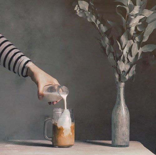I know it's kinda late to drink coffee, but you know what?, you gotta to refresh your mind for once in a day:). Dan gak tau kenapa tiap kali aku ngeliat foto kopi yang seger gitu, pasti pengen juga deh ngopi. Ada yang sama juga? ......#coffeequotes #coffeetime #refreshyourmind #visualeditorid #visualmaker #dandylook #visualcreators #coffeeportraits #dailydosecoffee #justdrink #coffeemood #moodboards #moodfortoday #clozetteid #theshonet #questionoftheday