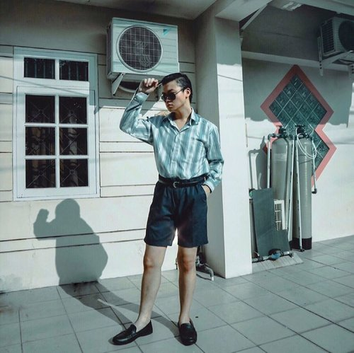 CASUAL CHIC MEN LOOK WITH SHORTS, CHALLENGE BY @feliciagtha ✌🏻• Jadi, di self quarantine ini, aku dan temen-temenku memutuskan untuk bikin 5 days, 5 challenges. So, this is the first challenge and it's my casual chic men's look but with shorts. –– Have a great day everyone 👍🏻 #5days5challenges #quarantine #dirumahaja • • • • #menswearinspired #casualchicformen #menstyleblog #styleideas #menfashiontips #menstylegoals #mensoutfitstyle #retrourban #fashionbloggerindonesia #asianguys #stylishathome #dandystyle #wentoutlikethis #menstylepage #ootdmenstyle #gentwith_ #outfitdiaries