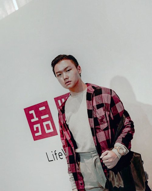 Throwback to one of the most comfort lifewear fashion event. This is @uniqloindonesia @theshonet . // What's your favorite clothing store so far in 2019? 📸. @dhevianabena . . . . . . . #uniqlolifewear #uniqlofw2019 #lifewear #dandystyle #noglassesday #lotd #ootdindokece #ootdindonesiaa #ijulwardrobe #menstyleguide #menfashionreview #menswearideas #comfyoutfits #todaysoutfits #simplefreshfitment #garageapproved #asianguys #asianstyle #ggrep #ggrepstyle #potdefleur #ootd4nylonjp #fashionjakarta #clozetteid #theshonet