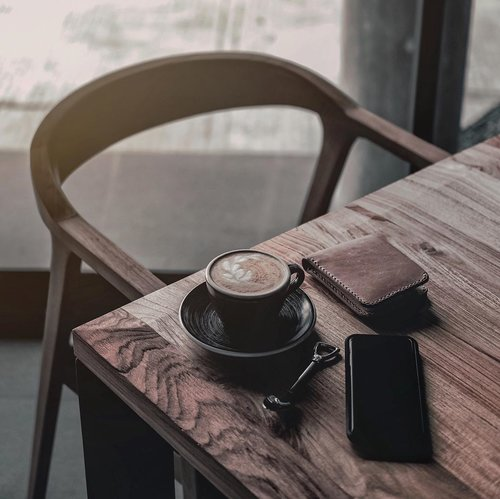 Happy Sunday guys:),and have you drink a cup of fresh coffee? Anyway, what's your plan for today?(Picture by. Stefen Tan - via. @unsplash ) //Such a lovely and pretty good mood for this Sunday. And what's your Sunday moodboards guys? Mine will always be a chill and cozy vibe like this + coffee(or milk maybe hahaha). .......#coffeetimes #sundayvibesonly #dailydose #unsplash #unsplashrepost #reeditchallenge2019 #blogstyle #ggrep #ggrepstyle #indovisualgram #visualambassadors #visualcreatorz #coffeedose #sundaymorningvibes #tealtone #menlifestyle #lifestyler #clozetteid #theshonet
