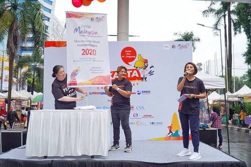 Today at Presscon & Launching of Visit Malaysia 2020 & Malaysia Year of Healthcare 2020 di Indonesia Thank you@medtourismmy.id @tourismalaysiajakarta 😉🙏 #mc #masterofceremony #mcjakarta #mcindonesia #mcpressconference #host #tvhost #presenter #tvpresenter #visitmalaysia #healthcare #malaysiahealthcare #sharemyexperience #medicaltourism #malaysia #clozetteid
