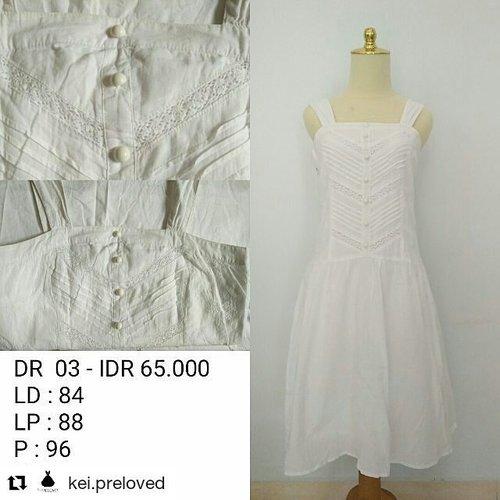 Yang suka preloved item. Bisa cek koleksinya @kei.preloved Affordable, unique and stylish. 💕💕#clozetteid #preloved #prelovedfashion #prelovedclothing