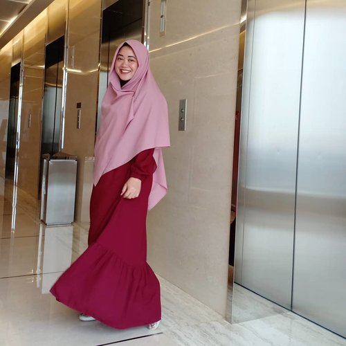 Long time no see my fave #OOTD spot! 😆 Taken by the one and only, mba nuruuuul. 😍 ..#clozetteid #starclozetter #clozettedaily #ootd #wiwt #hotd #fashion #love #life #hijabootdindo  #swingdress