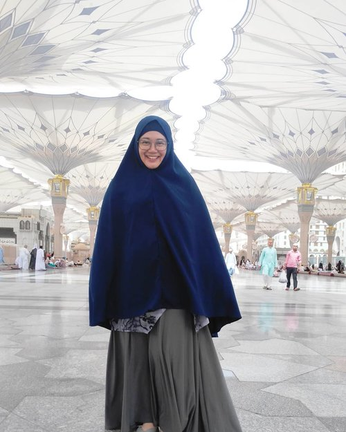 In 💕 with Madinah. .#clozetteid #masjidnabawi #nabawi #madinah #mashaAllah #pilgrim #pilgrimage