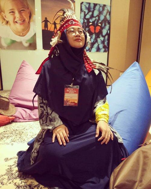 Pocahontas syariah mode on. 😂😂..#clozetteid #clozettedaily #starclozetter #indianstyle #pocahontas #indian #onduty #workingmom #hijabtraveller #ootd #wiwt #costume