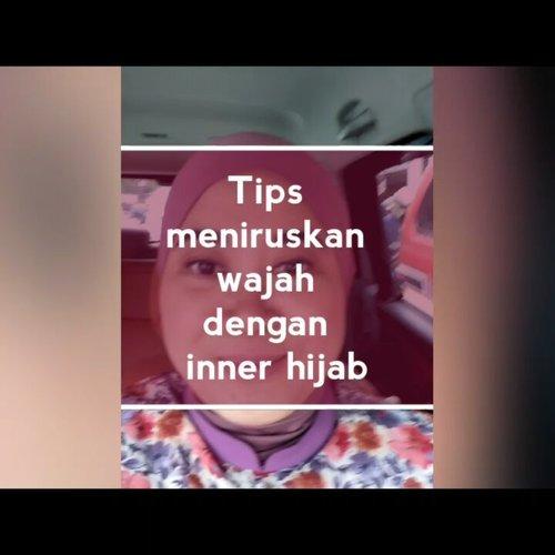 Bagaimana membuat wajah yang seperti tahu bulat (tapi ngga digoreng dadakan) menjadi tirus? Gunakan inner hijab yang tepat guna ya, hihihi. . .  #clozetteid #tipshijab #tipskurus #tipsmeniruskanpipi #innerantem #hijabantem #innerhijab #tipsfashionhijab #instavideo #vlog #tipshijab #instahijab #instafashion #hijablook