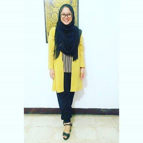 Yellow mellow. #clozetteid #ootd #clozettehijab #starclozetter #hijabkerens #hijabootdindo #hijabfashion_2016