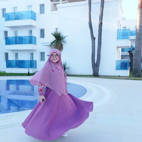 Turki, 2018. Semoga Allah memberikan rezeki untuk kembali lagi ke sana. Aamiin. 💙..#clozetteid #throwback #wheninturkey #turkey_home #Turkey #OOTD #hotd #hijab #swingdress #fujifilmxt1 #terfujilah #XT1 #suamimotret