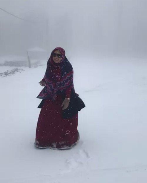 Let it snow. Norak norak dah. 😂😂😂😂😂😂.#clozetteid #snow #letitsnow #uludag #turkey #hijabtraveller #ootd #wiwt