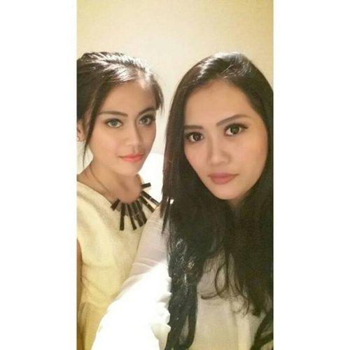 Me & @claranovk12 😘💋.#PhotoGrid #latepost #clozetteambassador #ClozetteID #instalike #mayamiamakeup #selca #selfies #selfie #naturalmakeup #garnierretreat #garnierid #beautyblogger #bbloggers #bblogger #bloggers #blogger #dinner#PhotoGrid