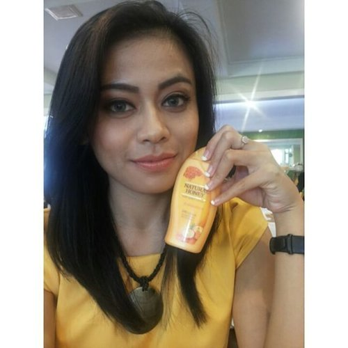Honey's Beauty Trip with Natural Honey Hand And Body Lotion 😍😘. #naturqlhoney #natural #PhotoGrid #honeysjourney #HONEYSJOURNEY #indonesianbeautyblogger #bbloggers #bblogger #bloggers #blog #blogger #clozetteambassador #ClozetteID #beautyevent #beautytrip #selfies #selca