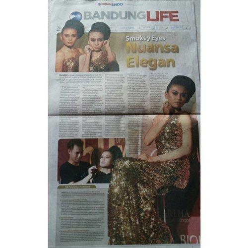 Alhamdulillah masuk koran satu halaman penuh ^^. Sindo 30 Agustus 2014 ^^ #bbloggers #blogger #bblogger #bloggers #indonesianbeautyblogger #bandung #muabandung #clozetteid #eyeshadow #model #photography #photooftheday #artikel