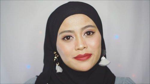 Haii beauties! Kali ini aku nyoba buat bikin video Swatch 10 warna best seller dari 45 pilihan shades @lorealmakeup Color Riche Matte. Ke-10 warna best seller nya cuco meong banget karna kebanyakan warna2 ini masuk di tone kulitnya orang Indonesia. Shade favorit aku 247, 248 dan 288. Kalo kamu?? @getthelookid @ragam_kecantikan @tampilcantik.ind @tampilcantik-#blog #blogger #swatch #loreal #lipstick #clozetteid #fdbeauty #ragamkecantikan #tampilcantik