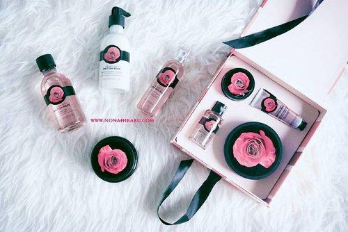 Hallo beauties!! Ada artikel baru di blog aku. Kali ini aku membahas rangkaian British Rose dari @thebodyshopindo. Seri British Rose ini cocok banget buat kamu yang suka wangi feminim. Untuk review lengkapnya kamu bisa cek di www.nonahikaru.com 😘😍. - #review #nonahikaru #thebodyshop #britishrose #rose #bodycare #skincare #instalike #blog #blogger #beautyblogger #beauty #clozetteid #clozetteambassador #FDbeauty #parfum #handcream #like4like #showergel