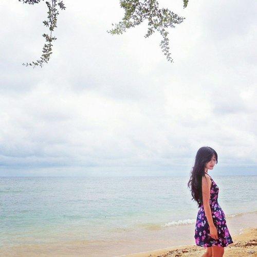 Keep calm and go to the beach~ Find your self there 😊 #holiday #gilitrawangan #beach #lombok #Indonesia #lombokituindah #wonderfulIndonesia #earthday #saveourplanet #savebeach #lookbookIndonesia #beritafashion #ootd #ootdindo #ootdmagazine #floraldress #hat #flatshoes #whitesand #sand #vacation #sea #fashion #fashionista #fashiondiaries #dandansenin #lifeisbeautiful #lifestyle #clozetteambassador #clozetteID @clozetteid