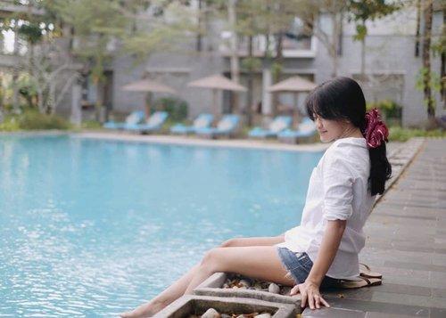 Am I lying to myself again.. when I say that I'm not missing you so bad? . #bali #nusadua #marriot #hotel #resort #swimmingpool #clozetteid