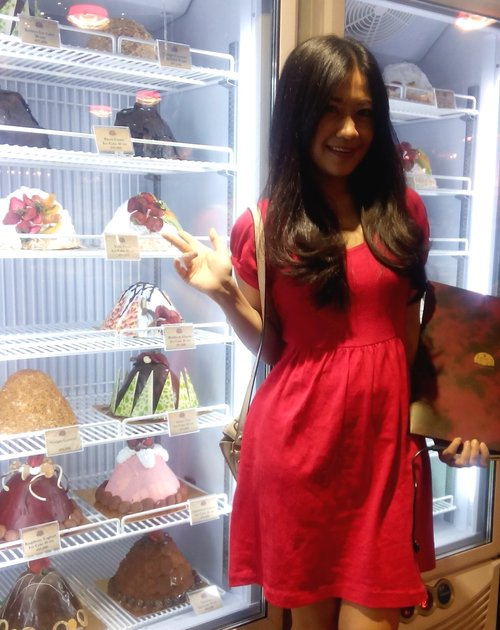 ICE CREAM!! <3 at number Igor's pastry. RED!