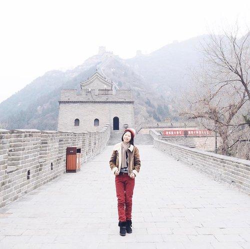 Winter OOTD 🇨🇳☃️ . #🇨🇳 #greatwall #greatwallofchina #ootd #ootdindo #lookbook #lookbookindonesia #ggrep #clozetteid #instabeijing #timeoutbeijing #instagram