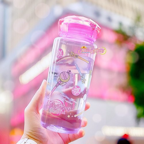 Stay Hydrated, Pretty Guardians! 💖🌙💦 #SheemaSherrySailorMoon...#SailormoonOfficial#SailorMoon#creerbeaute#PrettyGuardianSailorMoon#SailorMoonCollection#SailorMoonCollectibles#UsagiTsukino#PrincessSerenity#sailormoonhk#komunitassailormoonindonesia