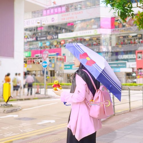 Maa shaaallaah Laa Quwwata illaa Billaah 💖☔️🌤Summer in HK sometimes reminds me of our own year-long weather in Jakarta, where in some days it's almost unbearably hot ☀️, and in the other days it's an endless thunderstorm ⛈, Subhaanallaah.but alhamdu lillaah that even today we still stay comfortably in our home with our beloved people, eating food we cook ourselves. meanwhile our brothers and sisters in Lombok, Indonesia, have been experiencing series of earthquakes which occured over and over again, instilling fear, worry, insecurity, sorrow, and lots of other uncomfortable feeling. Let's pray for them and for all people in this world suffering out there, and also for us. Allah surely has His beautiful plans... #PrayForLombok #PrayForUs #PrayForEveryone 💐..#WinnieThePooh #SailorMoon #ChristopherRobin