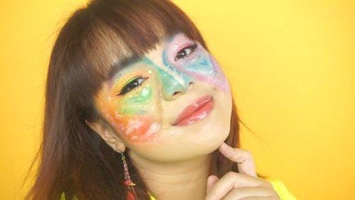 It's up on my youtube channel!Review @beautyglazed Color Board 170ribuan + Eyeliner warna warni @cmaaducosmetics harganya cuma 16ribuan dong 🙂Bonus tutorial make up art yg random gak berkonsep 🤣Klik link di bio yaa!#maroonfreedayvlog #beautyglazed #tutorialmakeupart #tutorialmakeup #makeupcewek #clozetteid #beautybloggerindonesia