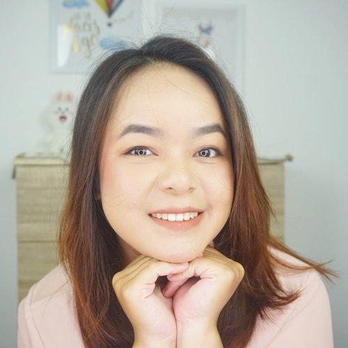 Good morning and happy Sunday! Hari ini jalan-jalan kemana nih? 😎 ..#clozetteid #beautybloggerindonesia #maroonfreeday #makeuplife #bloggerlife