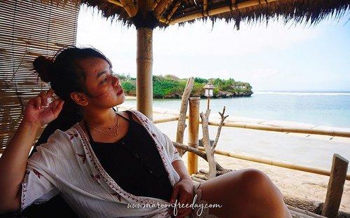 """Hai buat yang nanya budget ke Bali naik mobil, aku udah posting di blog nih. Cuss aja klik link di bio, pilih """"Budget Travelling ke Bali""""  Semoga bermanfaat! . . #travelling #wisatabali #clozetteid"""