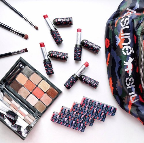 Check out the latest Spring Summer limited edition collection by @shuuemura ❤️ always so beautiful 😍 !! This camo collection is extra adorable with their intricate packaging design which is a beautiful mix of mount Fuji , colours and lipstick marks creating a classic camouflage pattern🥰. Not only they come with this beautiful camo packaging but their products & formula have never failed too ! Will write a whole post on this on steviiewong.com , stay tune for it 😘Hurry check them out 🤗...#Shuuemura #shuuemuraid #flatlay #shotbystevie #style #makeup #shuuemuraxkitsune #mycamostyle #wakeupandmakeup #japan #clozetteid