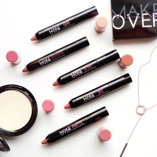 Introducing the new @makeoverid Color Stick Matte Crayon 🖍 all the shades are so beautiful and we can easily mix them to create versatile lip mood ❤️ They have the perfect #MLBB kind of shades option 😍#TwistYourNude #MakeOverid.....#flatlay #collabwithstevie #style #makeup #lipstick #exploretocreate tampilcantik #clozetteid