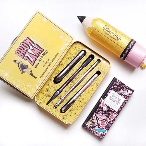 Yellow overload!! 🤩🤩🤩@benefitindonesia brow kit is by far my favorite brow kit although drawing brow isn't in my everyday makeup routine due to my naturally thick brows but if I do @benefitcosmetics brow kit is my definitely go to ❤️ I'm recently also falling in love with their boi-ing correct & perfect concealer palette 😍 . . . . #flatlay #benefitcosmetics #benefitcosmeticsindonesia #boiingconcealer #shotbystevie #beauty #clozetteid #browmaster