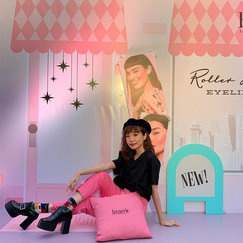 #throwback to the New Year celebration 🍾 party with @benefitindonesia !! It marks the first event of the year with their launching of the new roller liner eyeliner 🥰 #matteinheaven #benefitindonesia Thanks for having me BENE Team @shellyhartantii 🤗 . . . . . . #style #clozetteid #sonyforher #benebabes #shotoniphone #ootd #benefitcosmetics