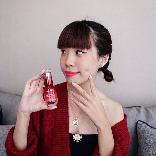 Hello loves ❤️ now sharing one of my favourite skincare which is also Park Shin Hye's fav @mamondeindonesia Red Energy Recovery Serum ! I felt that this product works amazingly on my skin giving it an instant glow after every use. This serum also helps to regenerate skin and balance skin hydration. Love the combination of this with their rose water toner . Feel and Get your well hydrated, soft glowing skin just like mine within 5 days use. Today Mamonde is having 20% discount at Mamonde Official shop on Shopee! Don't miss out the special offer😉 #MamondeIndonesia #beauty #RedEnergyRecoverySerum #skincare