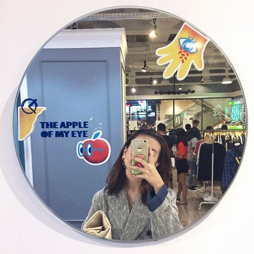The apple of my eye 🍎🍏🍎🍏 ........#atsandme #exploretocreate #style #ootd #whatiwore #zalorastyleedit #clozetteid  #fashion #mirror #mirrorselfie #selfie