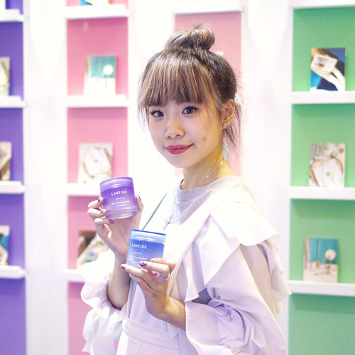 Had tons of fun at today's #LaneigeBeautyRoad2017 @laneigeid !! Tomorrow is their last day, lots of special promotion deals are available at the event together with their limited edition special scented lip mask and lavender water sleeping mask❤️❤️❤️make sure to check them out before they're completely gone!! . . . #laneigeID #laneige #laneigebeautyroad #skincare #laneigewatersleepingmask #WSMlavender #watersleepingmask #watersleepingmasklavender #lipsleepingmask #laneigelipsleepingmask