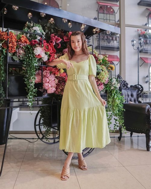 Happy 7th Birthday to my favorite apparel brand @pomelofashion🤍 check out their latest sale up to 77% !! Hop over to their webstore or app store to start the hunt ♥️ Wearing this flowy neon dress from their latest collection 💐 . - 📸 @priscaangelina . . . . . . . . #sonyforher #streetstyle #style #whatiwore #steviewears #clozetteid #ootd #fashion #zalorastyleedit #love #exploretocreate #collabwithstevie #zalora #outfitinspiration #pomelogirls #trypomelo