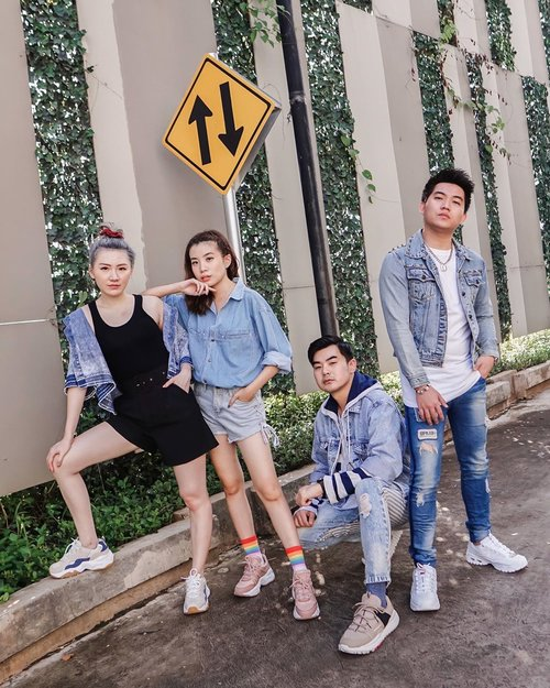 Together through the paved and unpaved roads! We're all wearing @skechersidn latest D'Lites 3.0 collection ❤️ extra comfortable with chic styles to elevate your daily look 😎 .........#photooftheday #ootd #zalorastyleedit #friends #ootdindo #wiwt #ootdmagazine #steviewears #outfit #skechers #ootdstyleid #lookbook #lookbooknu #clozetteid #exploretocreate #ootdstyle #ootdinspiration #lookbookindonesia #fashionblogger #style #whatiwore #stylefashion #streetfashion #streetstyle #streetinspiration #qotd #potd