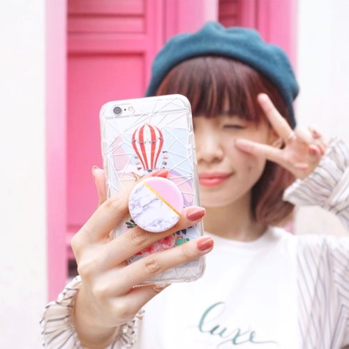 Anyone enjoying #selfie? Get your @popsocketsindo to ease your selfie taking process and now I can have neat earphone cables wrapped around the socket instead of having messy tangled cables. . . -  #realpopsocketsid @popsocketsindo . . . #popsocketindo #popsocket #popsocketindonesia #endorsement #CollabwithStevie