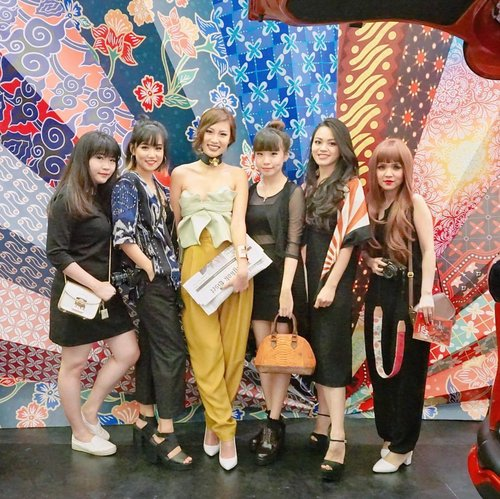 Catch all the fun we had yesterday at the @indonesiafashionweekofficial  2017 ❤💛💙 on my blog steviiewong.com or direct link on my bio. Don't forget to visit @toyotaid booth #PopUpPlayground at IFW #mysienta  #AllNewSienta @beautynesia.id @beauynesiamember #beautynesiamember . . . . . . . #ootd #styleblogger #clozetteid #indofashionpeople #styleblogger #portrait #ulzzang #beautyblogger #vscocam #outfitinspo #fashionpeople #fblogger #blogger #패션모델 #블로거 #스트리트스타일 #스트리트패션 #스트릿패션 #스트릿룩 #스트릿스타일 #패션블로거 #bestoftoday #fashion #IFW #ifw2017 #fashionblogger